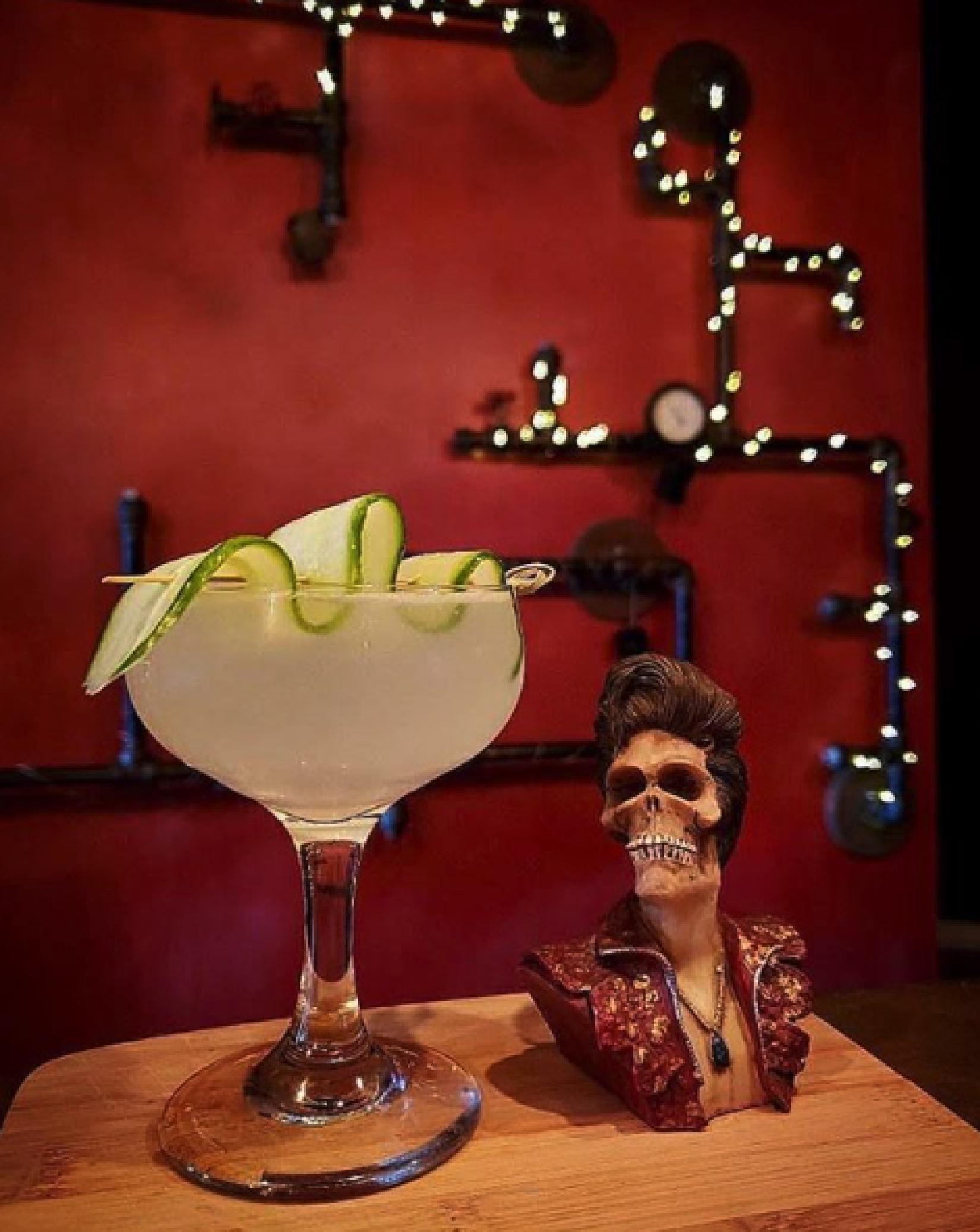 creepy cocktails - Blind Owl